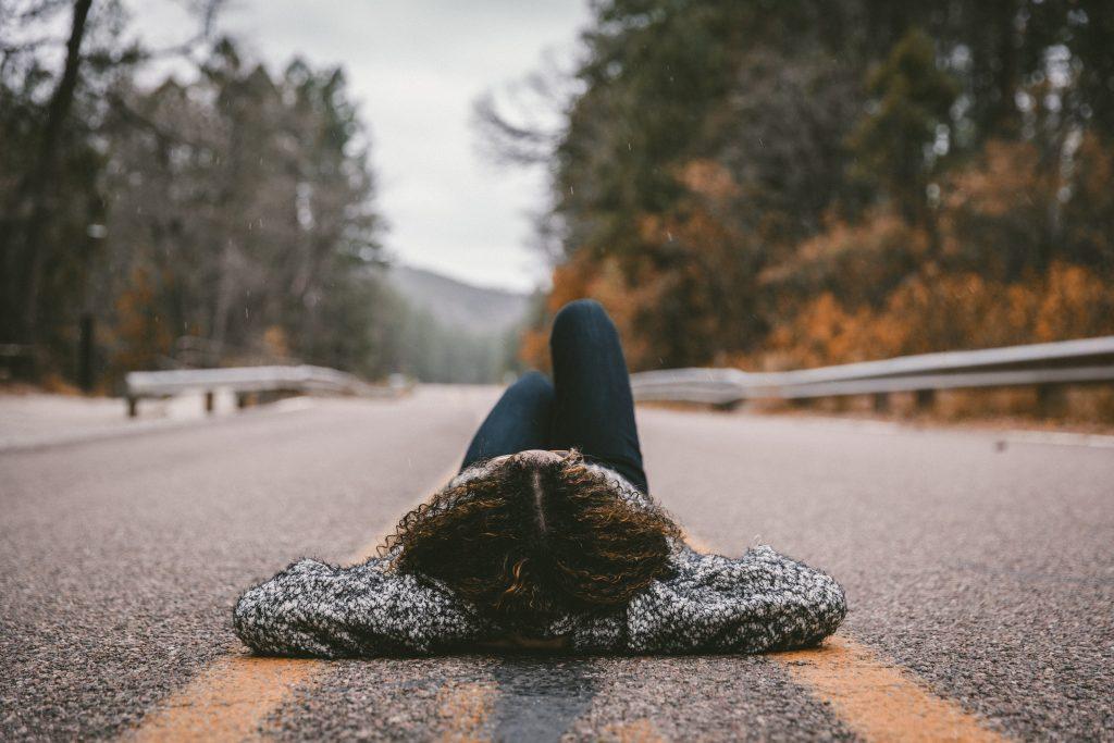 liggend mediteren in bed